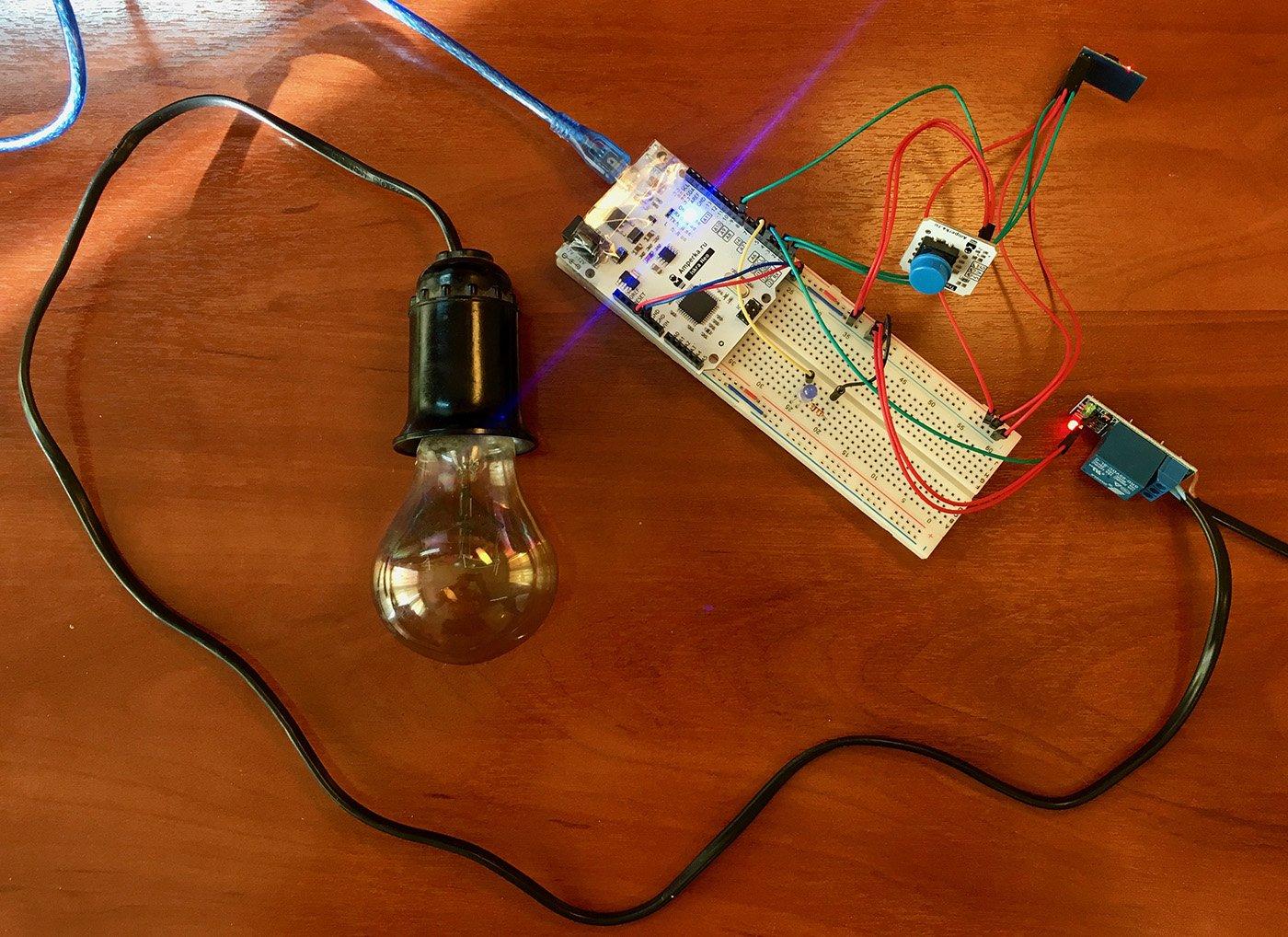умный выключатель на макетной плате